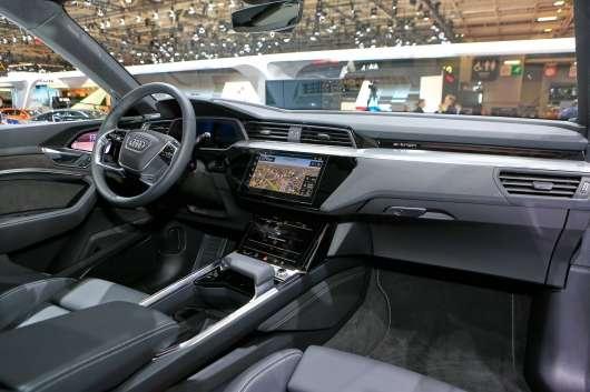 Audi e-Tron – електричний позашляховик, який краще Tesla Model X