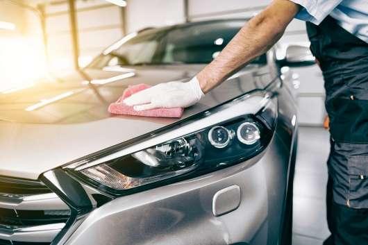 Думка професіонала: як правильно обробити автомобіль воском?