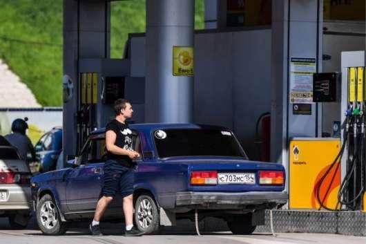 Чому бензин буде тільки дорожчати