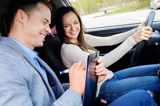 Інструкторів з водіння навчать правильно викладати: готовий новий стандарт