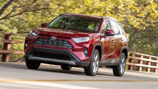 Тест-драйв пятого покоління 2019 Toyota RAV4: перші враження