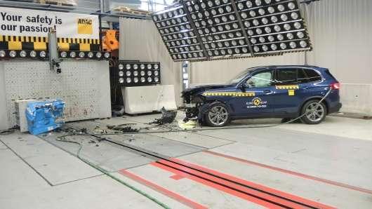 Нова модель BMW X5 отримав пять зірок в краш-тестах Euro NCAP