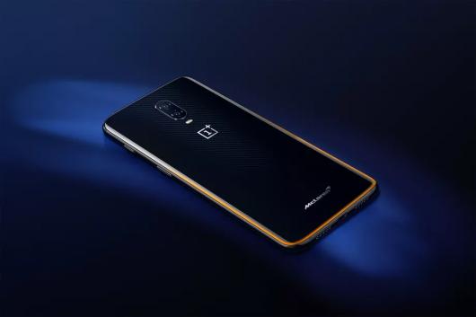 Ось що потрібно знати про смартфоні OnePlus 6T McLaren Edition