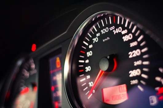 Обмеження швидкості в Росії: все, що вам потрібно знати