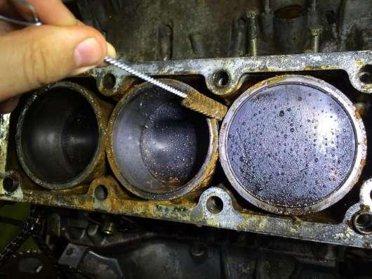 Ось чому моторне масло може потрапляти в повітряний фільтр