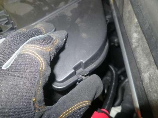 Як замінити повітряний фільтр на автомобілі BMW X5 (кузов E70) — покрокове керівництво