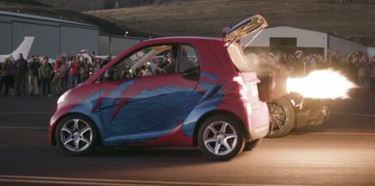 Ракетомобиль з Smart – це нереально крутий гоночний болід: відео