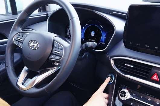 Скоро автомобілі Хендаи почнуть відкривати за допомогою відбитка пальця: ось у чому переваги