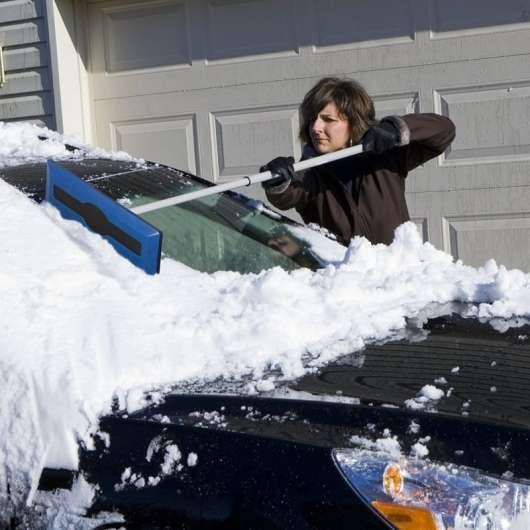 20 речей, які дійсно необхідні автомобілісту взимку
