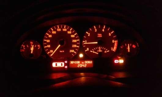 Є максимальна швидкість на спідометрі дійсно максимальною швидкістю автомобіля?