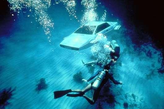 Це не вдавалося зробити нікому, крім команди Top Gear: підводний човен з Lotus Esprit