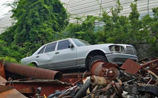 Краса іржавіють кузовів: фотопідбірка автомобільних абандонов