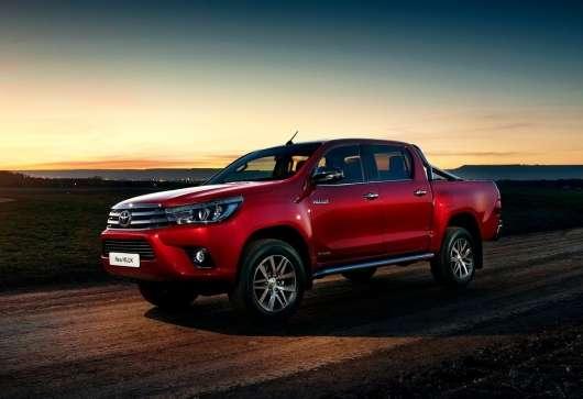 Скільки машин Toyota продається в світі?