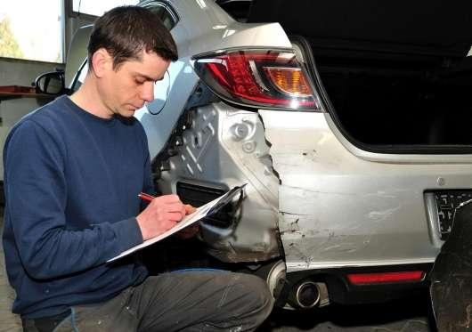 Як перевірити, чи старий автомобіль безаварійним?
