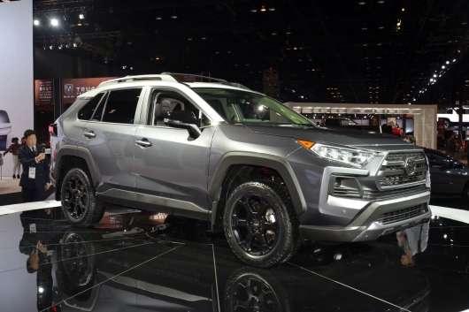 Тойота представила самий екстремальний кросовер в лінійці (RAV4 TRD)