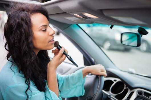 13 речей, які ви робите у своїй машині, але не мають