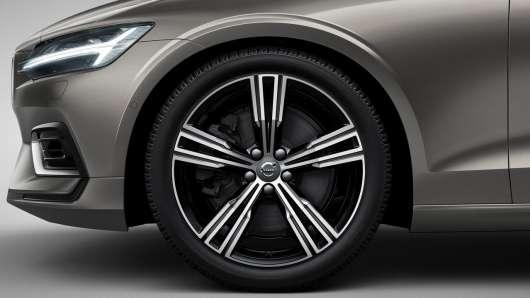 Чому верхня частина арки на автомобілях плоска?
