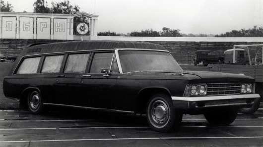 Чому в СРСР як карет швидкої допомоги використовували «Волги»?