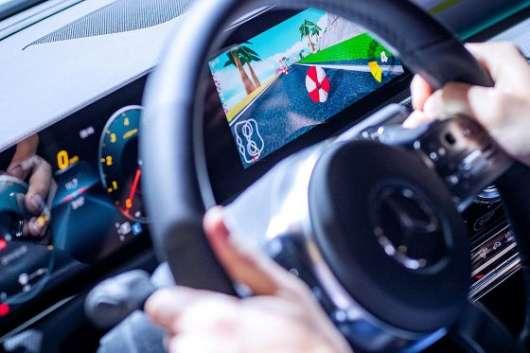 Mercedes вмонтує в свої автомобілі відеоігри