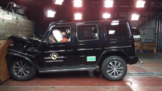 Дорогущий «Гелендваген» другого покоління розбили на краш-тесті EuroNCAP: відео
