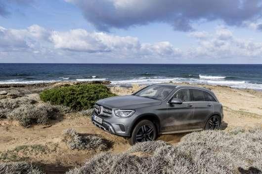 Mercedes GLC отримав новий зовнішній вигляд і технології