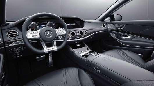 Mercedes-AMG представить в Женеві останній S-Class з двигуном V12