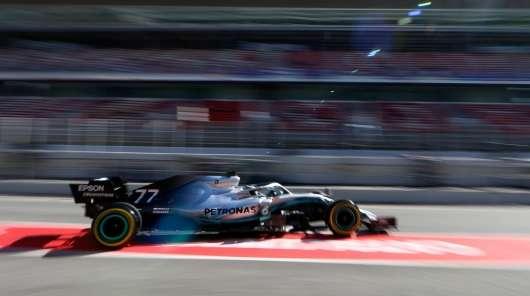 Як пілоти Формули 1 примудряються не плутати кнопки на кермі під час перегонів?